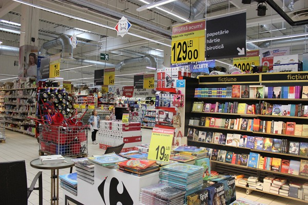02 Onyx Beacon One, placed in a store department in Carrefour - general 02