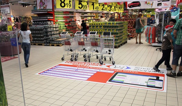 05 Shopping cart with tablet for Smart Shopping experience in Carrefour store 2